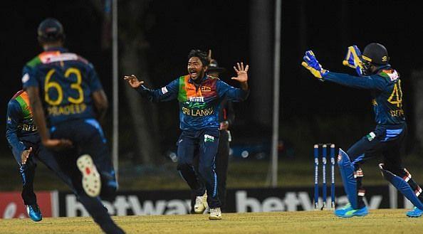 अकीला धनंजय ने वेस्टइंडीज के खिलाफ ली हैट्रिक