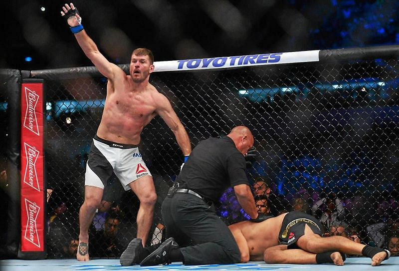 Stipe Miocic knocks out Fabricio Werdum for the UFC Heavyweight title