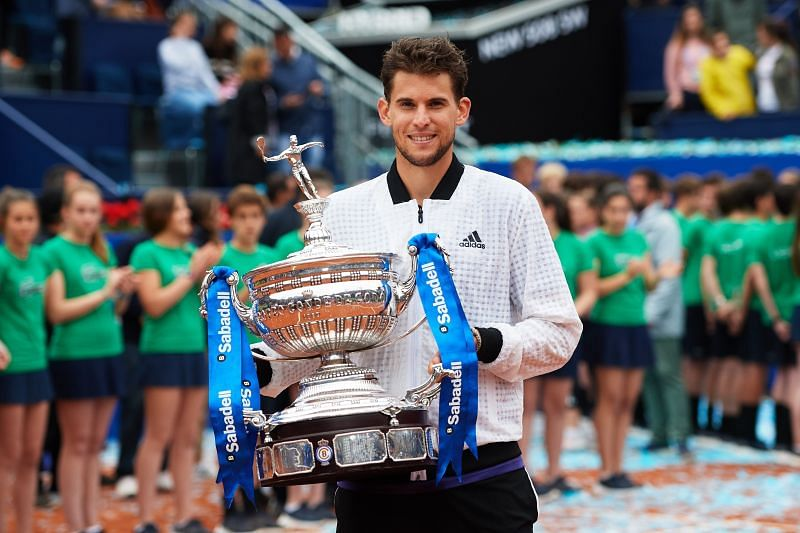 Dominic Thiem lifting the 2019 Barcelona Open trophy