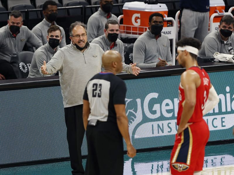 Stan Van Gundy questions a call. (Photo by Ronald Cortes/Getty Images)
