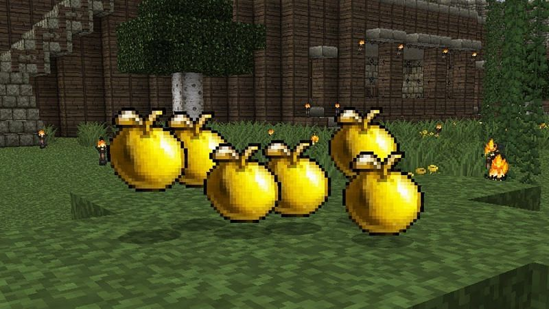 Golden apple with texture pack (Image via YouTube)