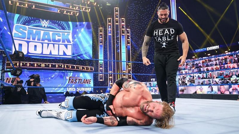Roman Reigns standing tall on the SmackDown before Fastlane 2021