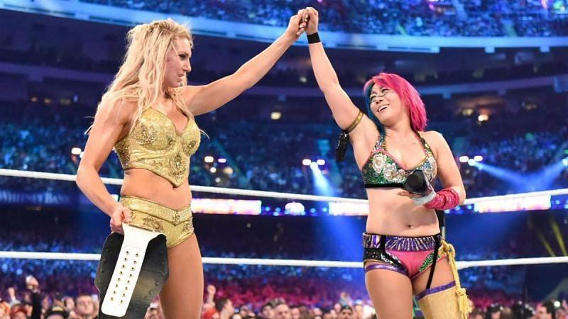 Charlotte Flair defeats Asuka at WrestleMania 34