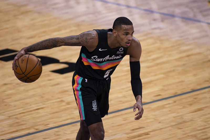 Dejounte Murray (#5) of the San Antonio Spurs