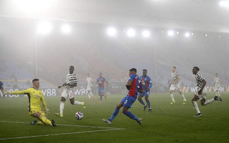 Crystal Palace and Manchester United played out a 0-0 draw at a misty Selhurst Park on Wednesday