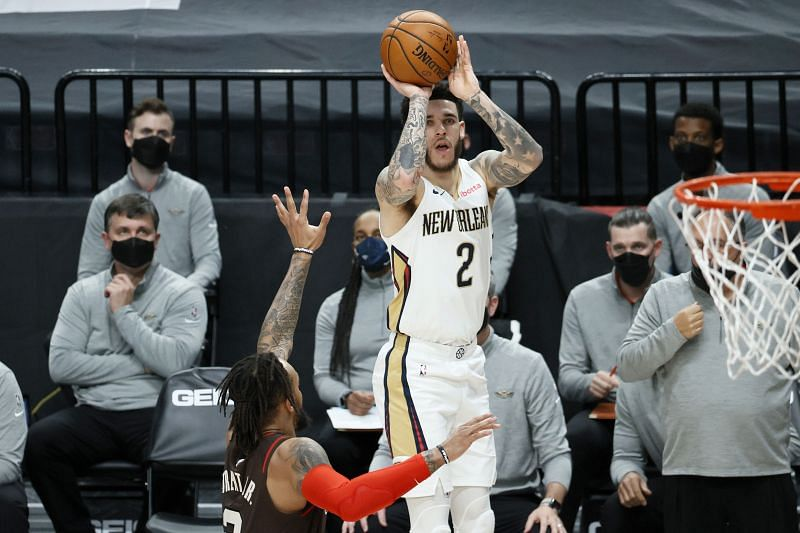 New Orleans Pelicans #2 Lonzo Ball in action.
