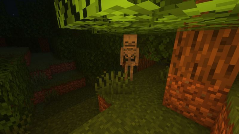 Spooked by the Spooky Mr Skeltal! (Image via Minecraft)