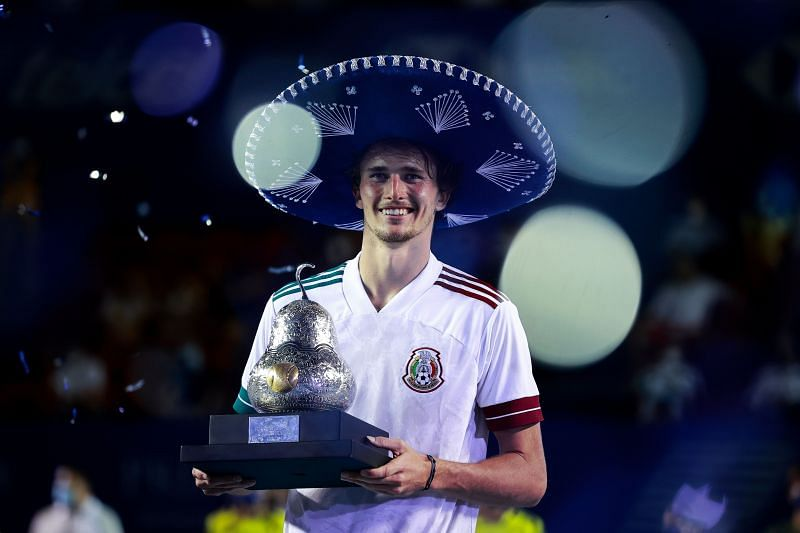 Alexander Zvrev with the Abierto Mexicano Telcel trophy