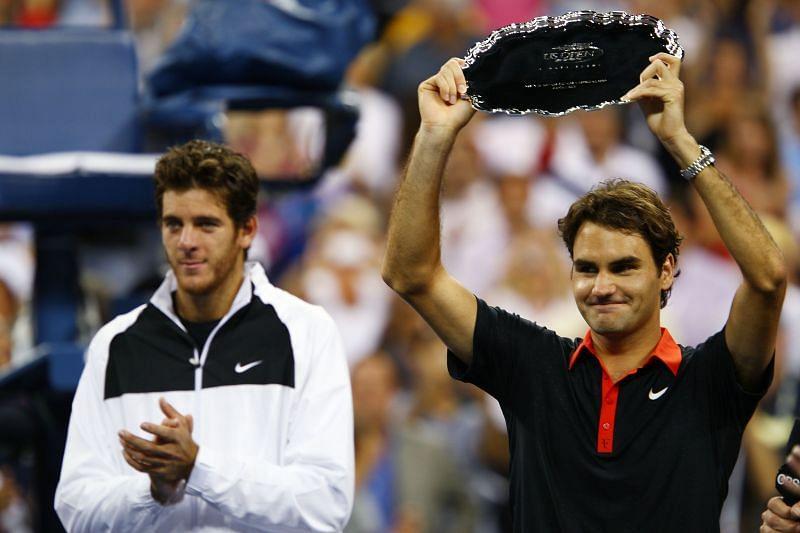 Juan Martin del Potro (L) and Roger Federer