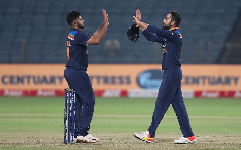Shardul Thakur and Virat Kohli (right)