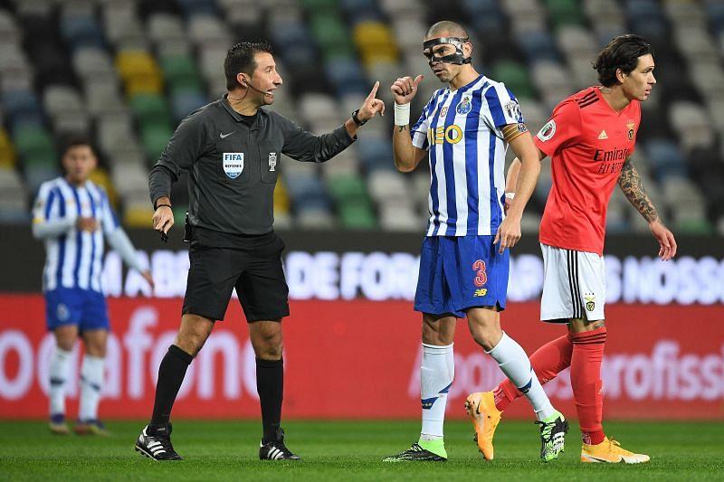 Porto take on Vitoria Guimaraes at the Estadio do Dragao
