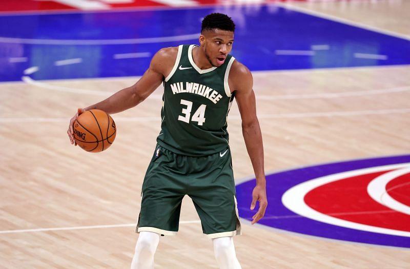 Milwaukee Bucks Guinea Antodocoun # 34