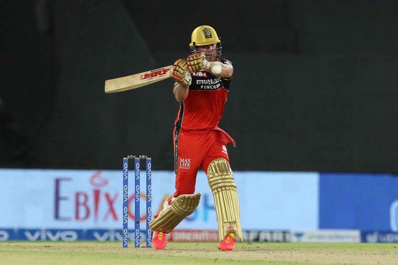 AB de Villiers smashed an unbeaten 75 in RCB