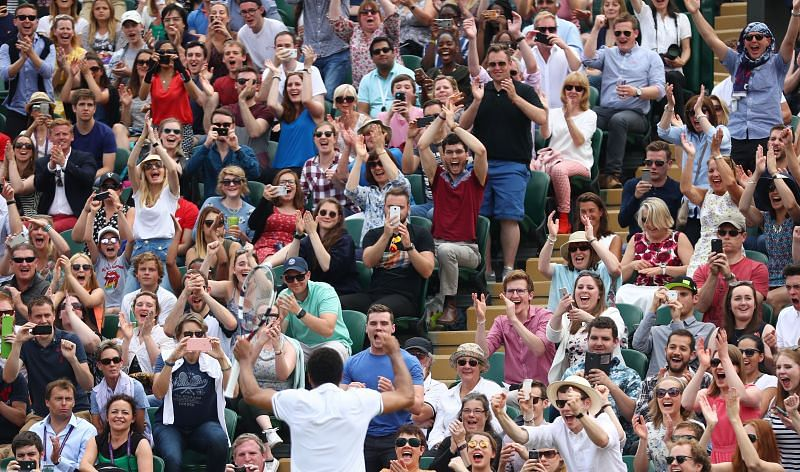 The crowd on Middle Sunday of the Wimbledon Championships in 2016