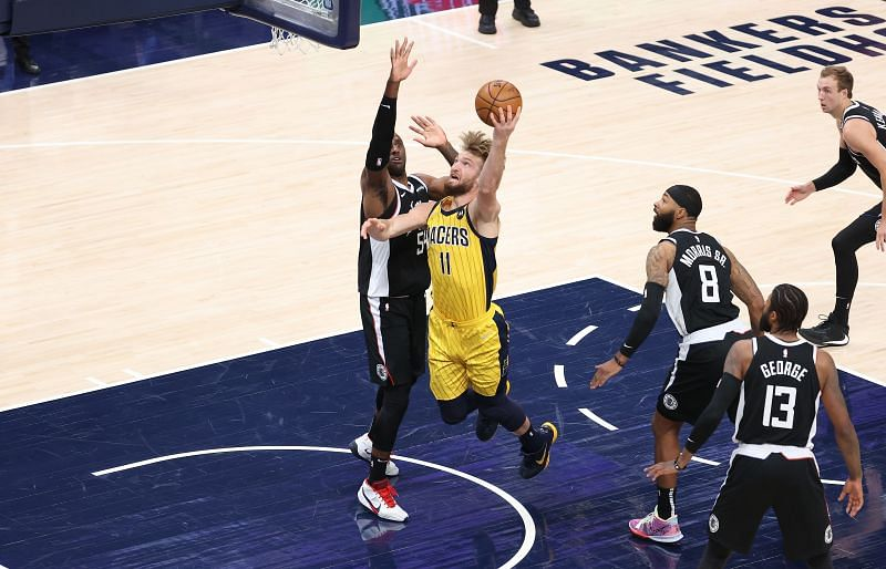 Domantas Sabonis #11 of the Indiana Pacers shoots the ball.