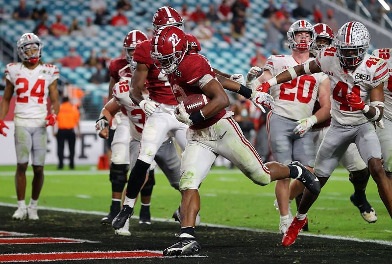 Alabama running back Najee Harris rushes for a touchdown during the College Football Playoff National Championship game against the Ohio State Buckeyes on Jan. 11, 2021.