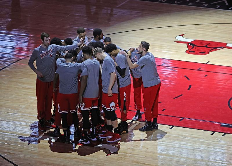 Chicago Bulls team huddle