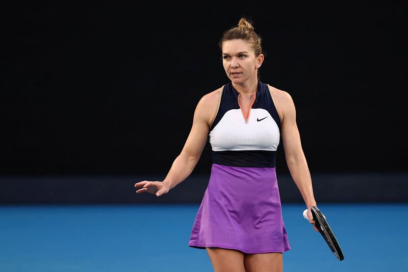 Can Halep beat Vondrousova for the first time?