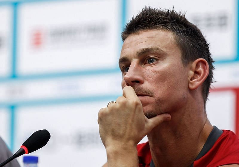 Koscielny will have to motivate his troops to finish in the top ten.