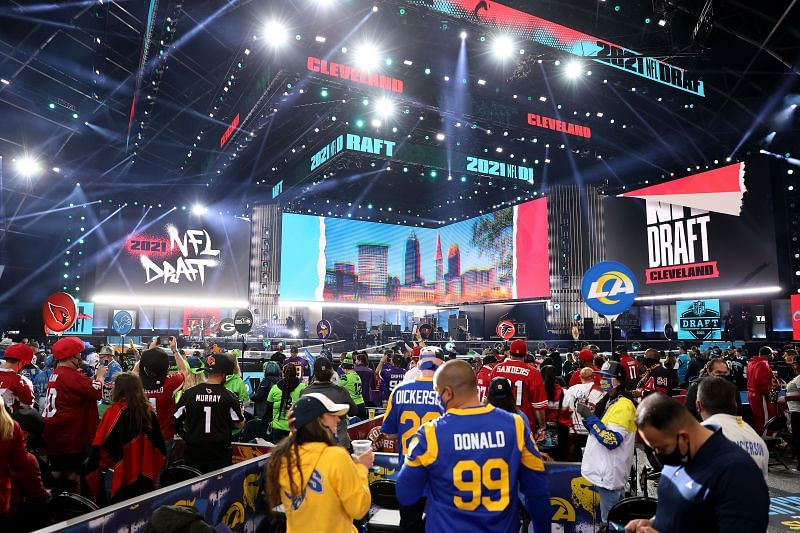 Fans wait for the start of the 2021 NFL Draft on April 29, 2021, at the Great Lakes Science Center in Cleveland, Ohio