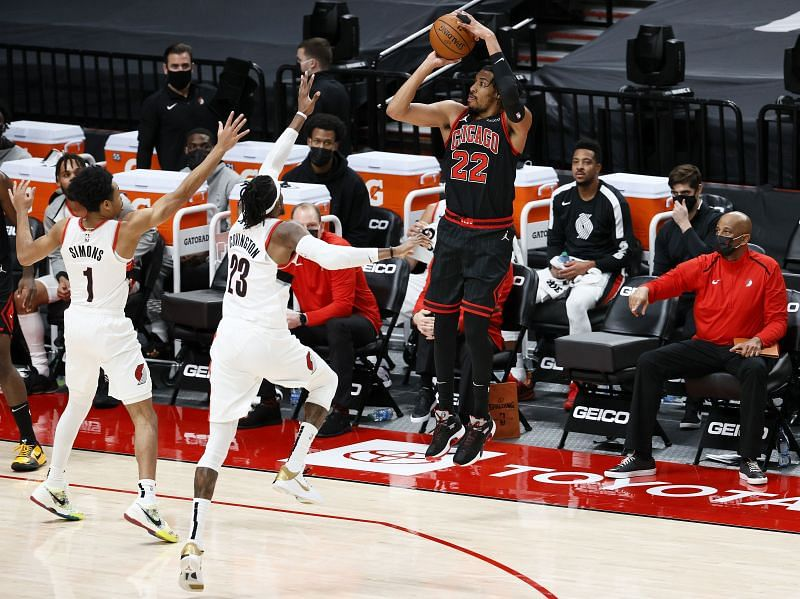 Otto Porter Jr. shoots a three while playing for Chicago