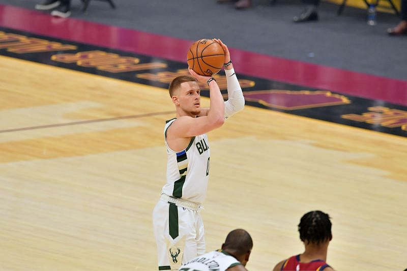 Donte DiVincenzo #0 of the Milwaukee Bucks in action