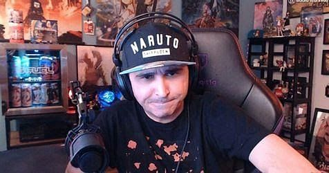 How much money does Summit1g earn in Total