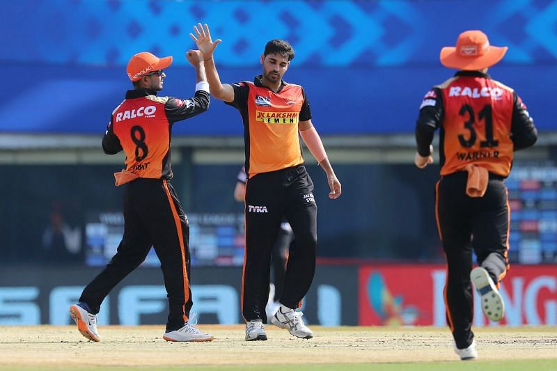 Bhuvneshwar Kumar celebrates the wicket of KL Rahul
