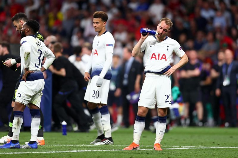 Christian Eriksen looks dejected after losing the 2018-19 UEFA Champions League final to Liverpool