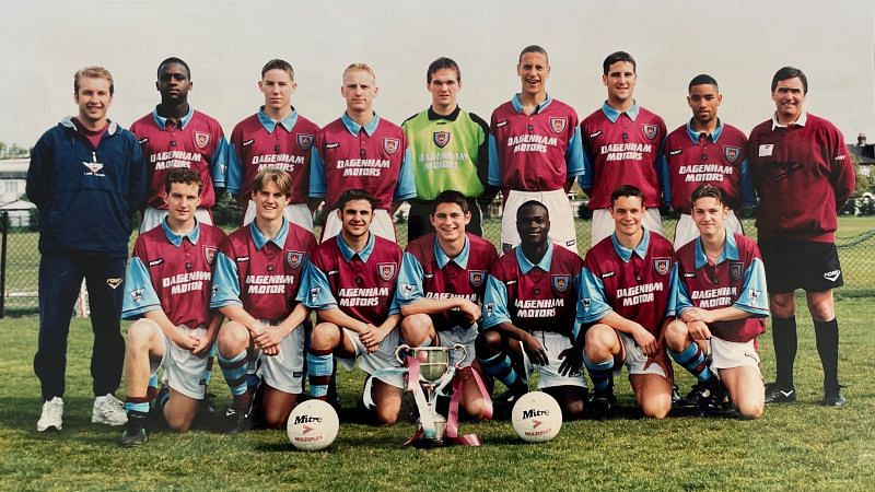 West Ham youth team, Frank Lampard (front center), Rio Ferdinand (back row, right of the goalkeeper), Tony Carr (standing right)