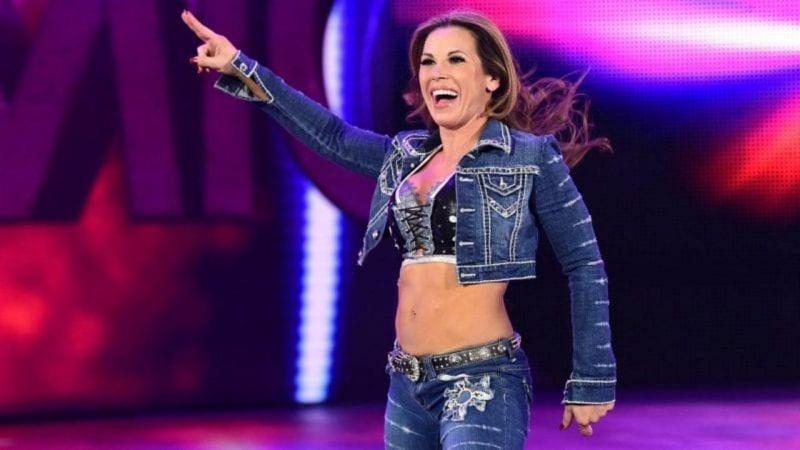 WWE से निकाले गए दिग्गज सुपरस्टार ने की बड़े इवेंट में चौंकाने वाली वापसी, मौजूदा चैंपियन पर किया जबरदस्त अटैक