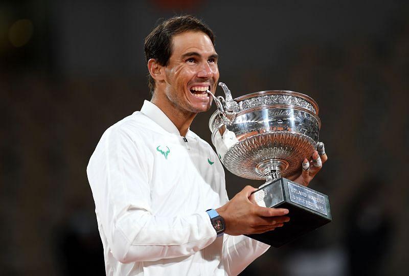 Rafael Nadal with thw Roland Garros 2020 trophy