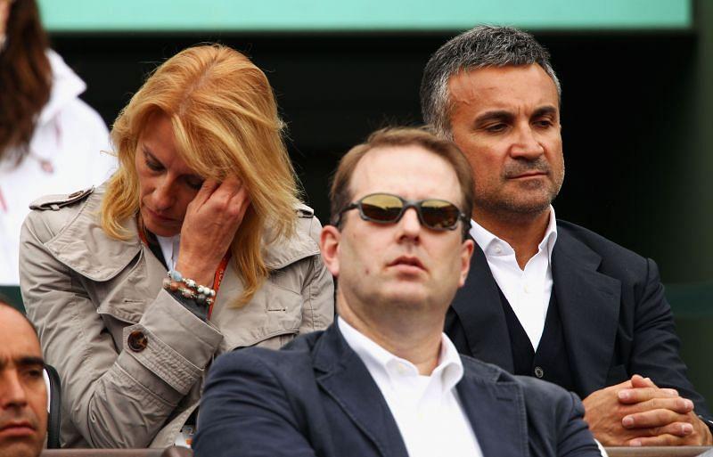 Dijana and Srdjan Djokovic at the 2012 French Open (background)