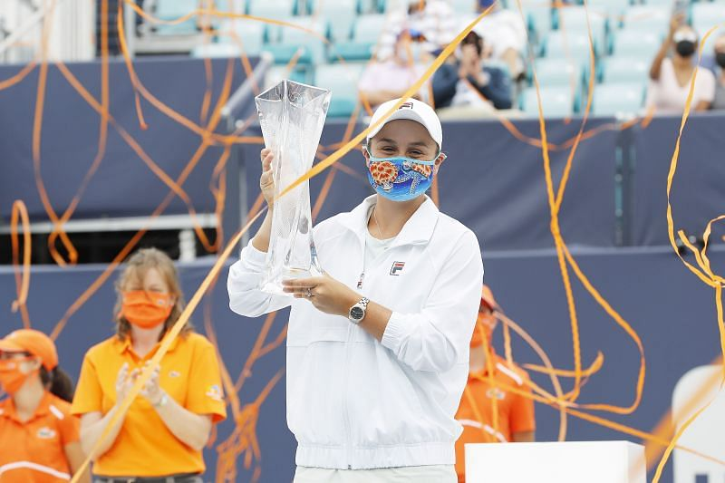 Ashleigh Barty with her 2021 Miami Open