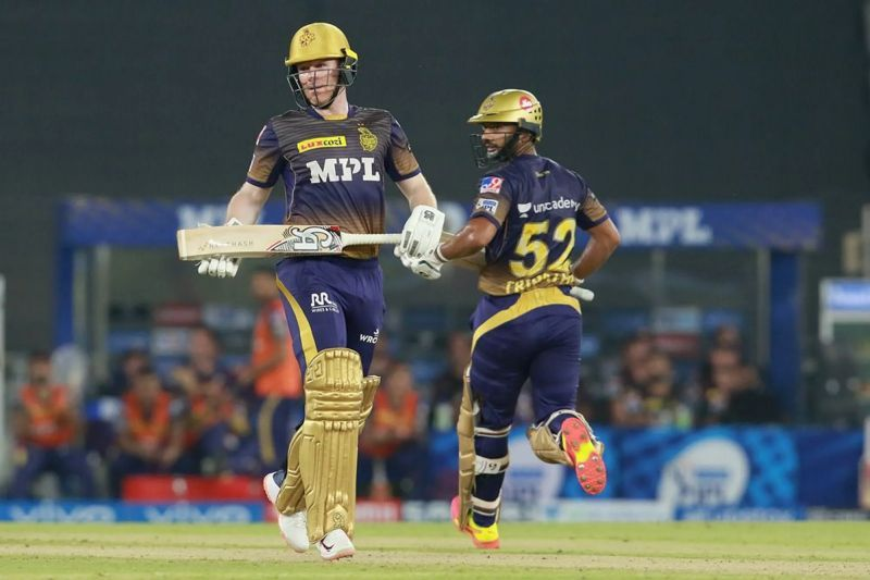 Eoin Morgan (left) and Rahul Tripathi. Pic: IPLT20.COM