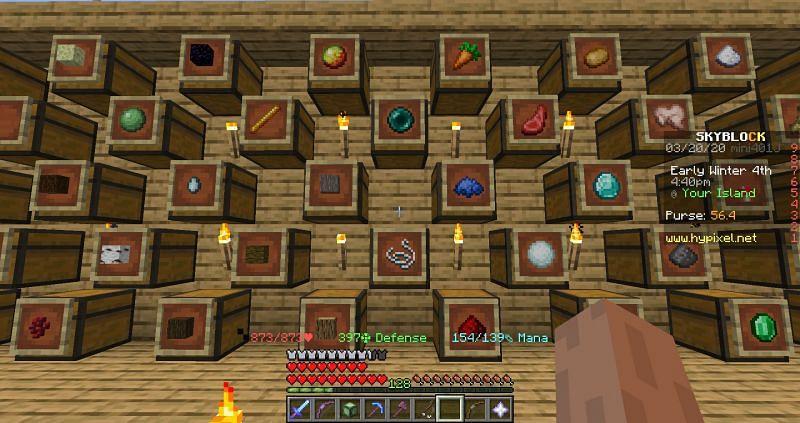 Large Minecraft item frame wall (Image via webframes)