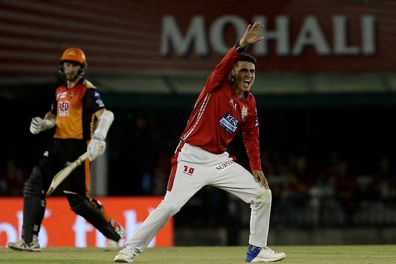 Aakash Chopra wants the Sunrisers Hyderabad to include Mujeeb Ur Rahman in their playing XI