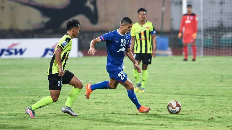 Bengaluru FC forward Leiton Silva dropped down to the midfield to help his side get more of the ball. (Image: Bengaluru FC)