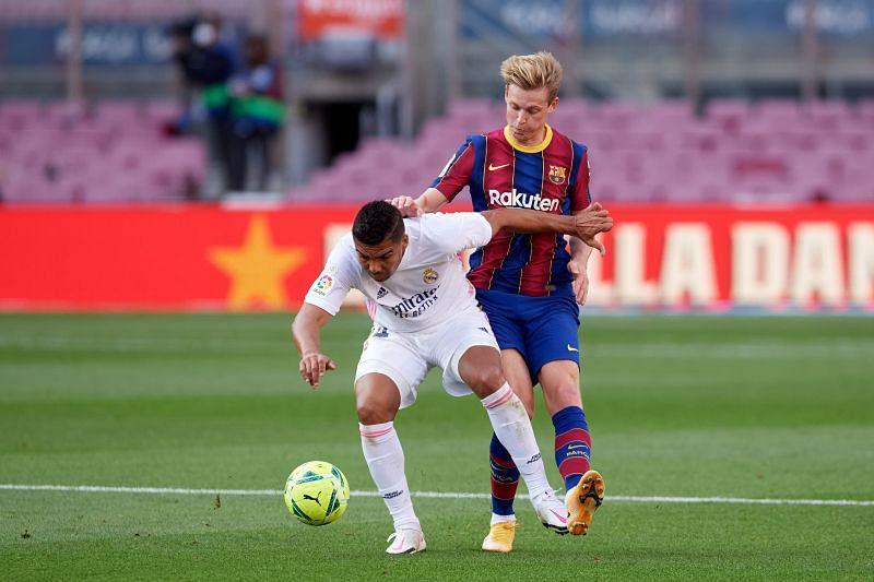 Casemiro and Frenkie de Jong in action.