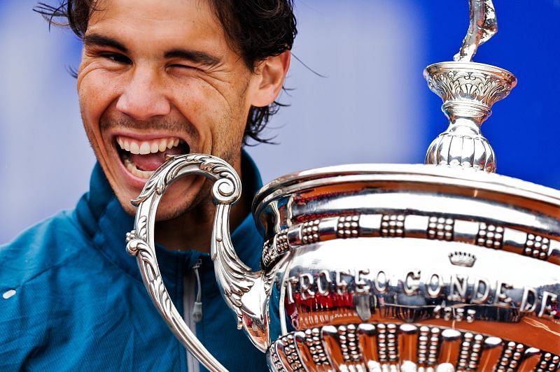 Rafael Nadal with the 2013 Barcelona Open trophy