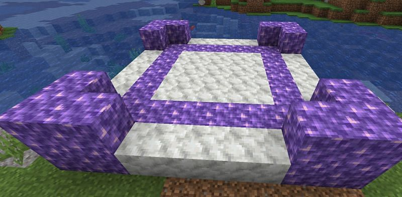 Shown: An interesting structure made out of Amethyst Blocks and Calcite (Image via Minecraft)