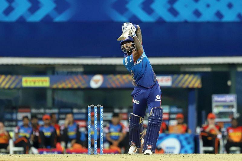 SKY made a 6-ball 10 against SRH. (Image Courtesy: IPLT20.com)