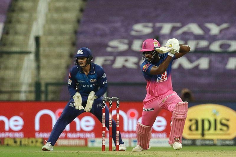 Sanju Samson (R) Pic Credits: IPLT20.com