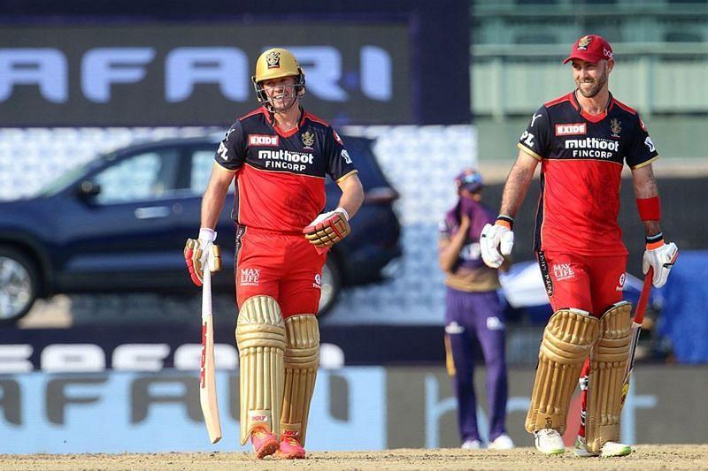 AB De Villiers (left) and Glenn Maxwell (right) make an explosive batting duo. (Image Courtesy: IPLT20.com)