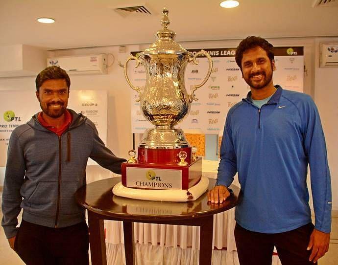 Vijay Sundar Prashanth (L) and Saketh Myneni (R) pose at the 2018 Pro-Tennis Leauge event