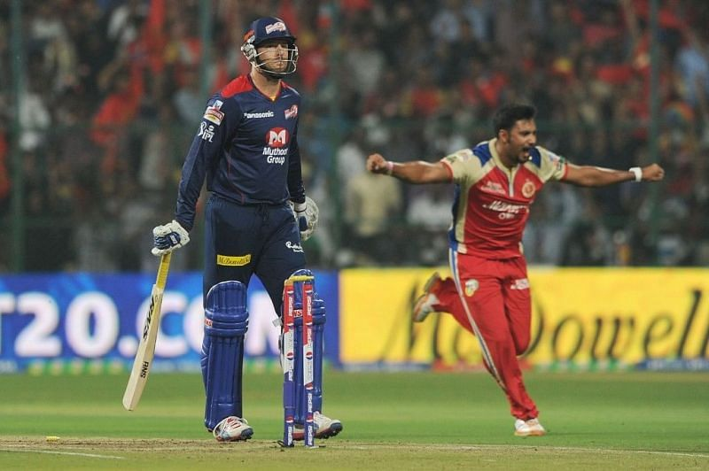 Ravi Rampaul after winning the Super Over for RCB (Source: IANS)