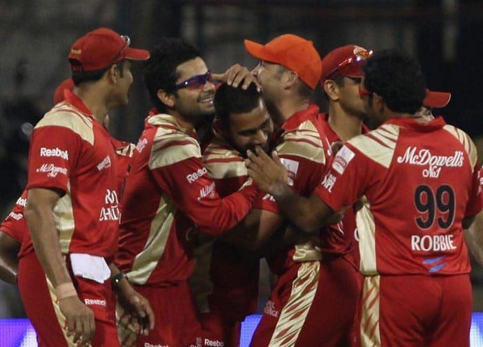RCB players ecstatic after Praveen Kumar