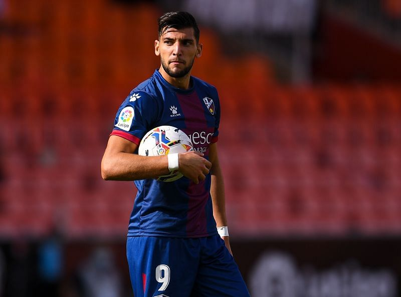 Rafa Mir is in goalscoring form for Huesca