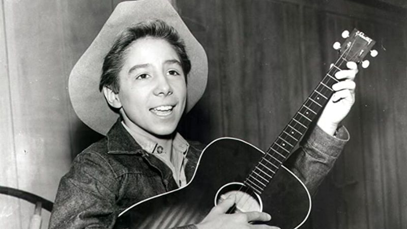 """Johnny Crawford playing as Mark McCain in """"The Rifleman""""/Image via ABC"""