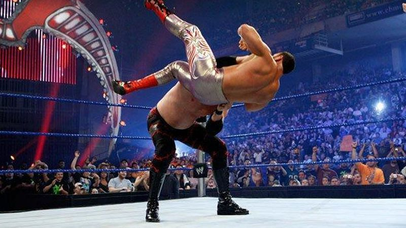 Kane defeated Chavo Guerrero to retain the WWE ECW World Heavyweight Championship at Backlash 2008